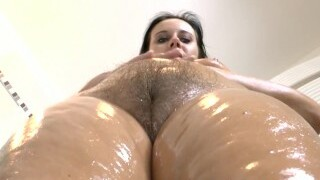 The mature, curvaceous MILF rubs